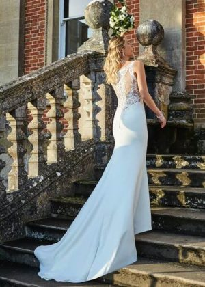 Fitted Elegant Wedding Dress Olympia by Romantica